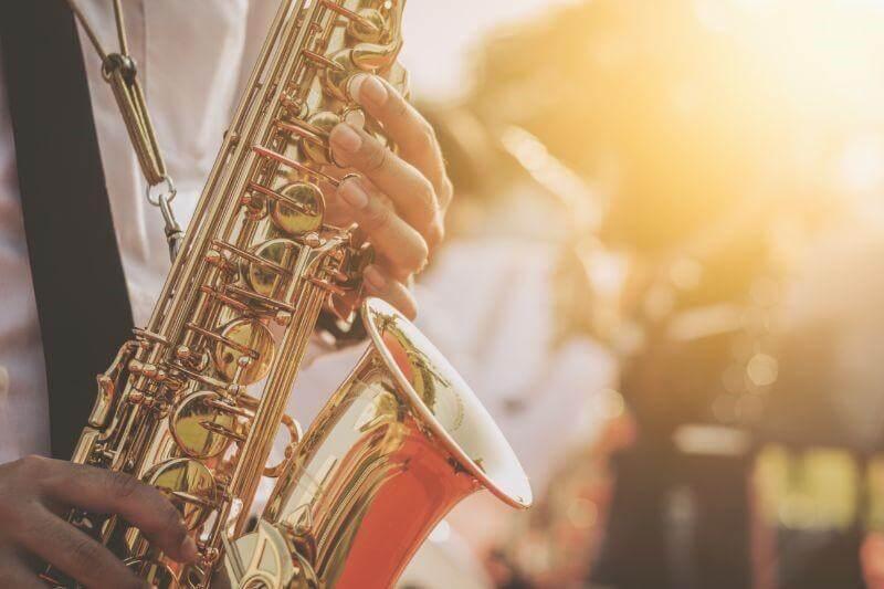 ジャズとボサノバの違い。店舗BGMにおすすめなのはどっち?