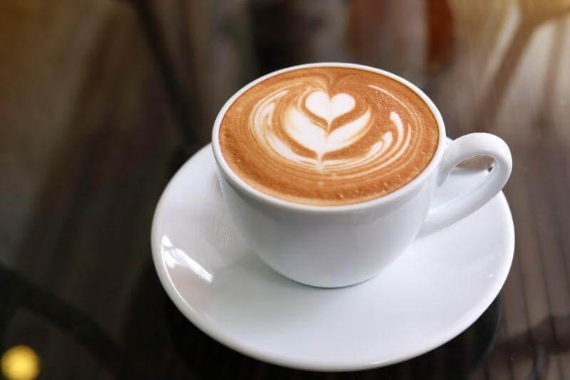 カフェの雰囲気づくりには音楽が重要!おすすめのBGMと著作権