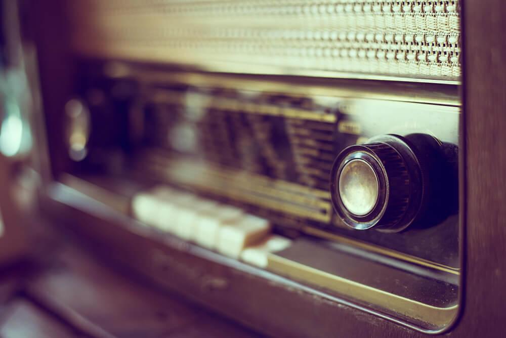 インターネットラジオを店舗BGMとして流すメリット・デメリット